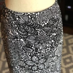 Ann Taylor Black and White Lined Pencil Skirt